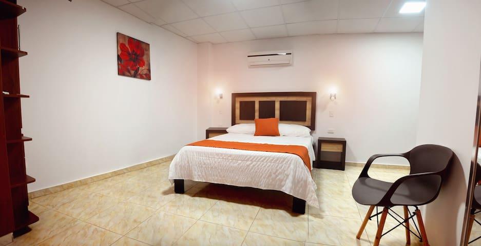 Habitación Confortable en Edificio Torre Alba