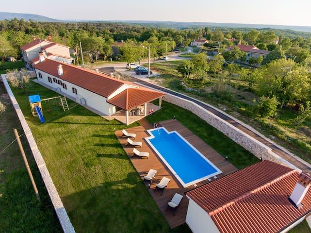 Villa Anica - Markoci - Huvila