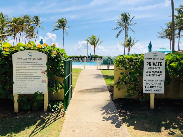 The Rio Mar Beach Club Pool is located right next to the beach; a 10 minute walk or 2 minute drive from Cluster II, without having to leave the resort. Ample parking is available.