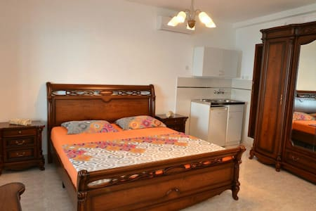 Rooms 4 people ore 2 people 45 m2 - Ulcinj