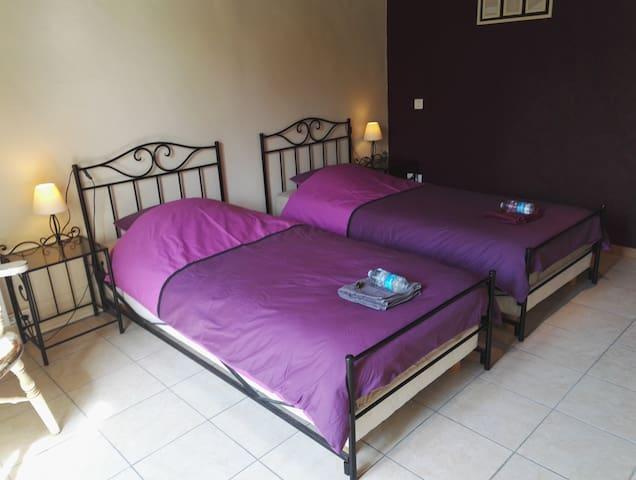Chambre twin avec deux grands lits simples - Maria