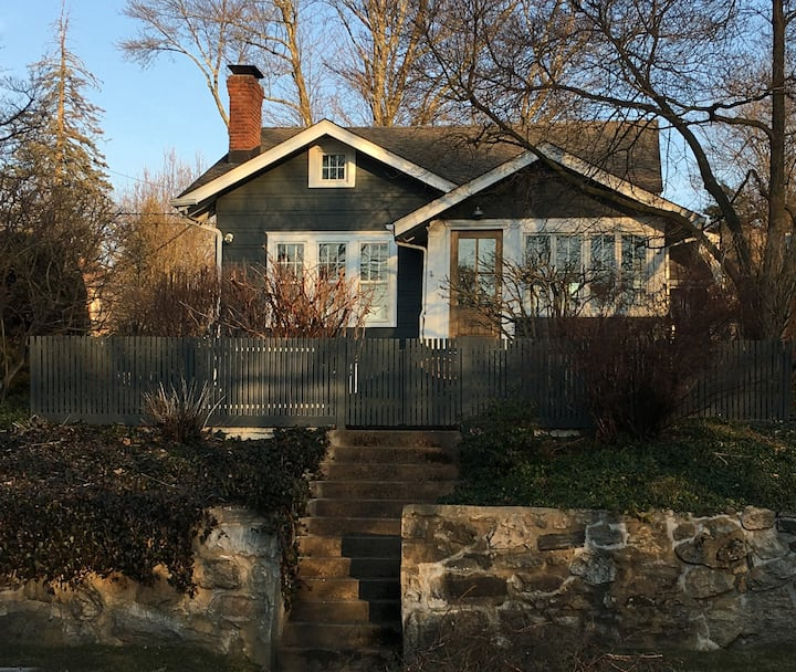Upscale cottage in coastal Norwalk CT