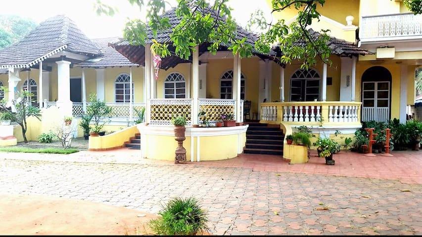 Solar Dos Rebelos - Betalbatim - Σπίτι