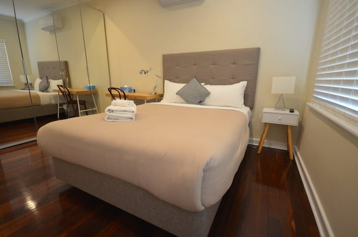 Clean Comfortable Room near Perth Airport