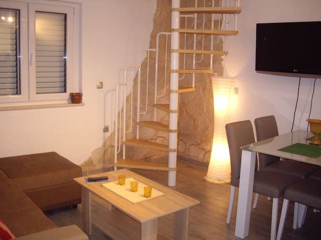 Mala Kuca - (Little House) Sleeps 4