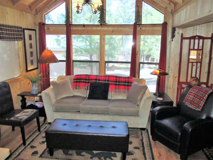 Smiths Saddlebag Cabin-White Mountain Vacation Village SHOW LOW