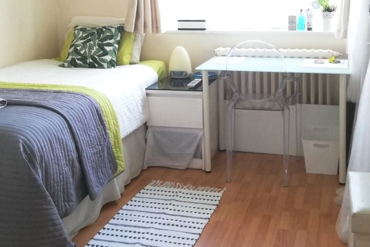 Single Room Pimlico / Victoria / River thames