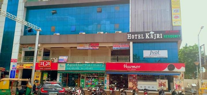 Hotel Kajri Residency