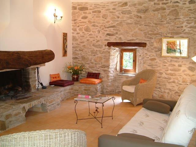 Gîte le musicien, Château de Colombières 4*