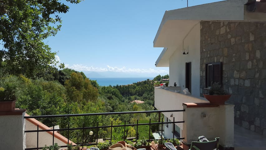 Scario-Cozy appartment with great seaview - Scario - 別荘