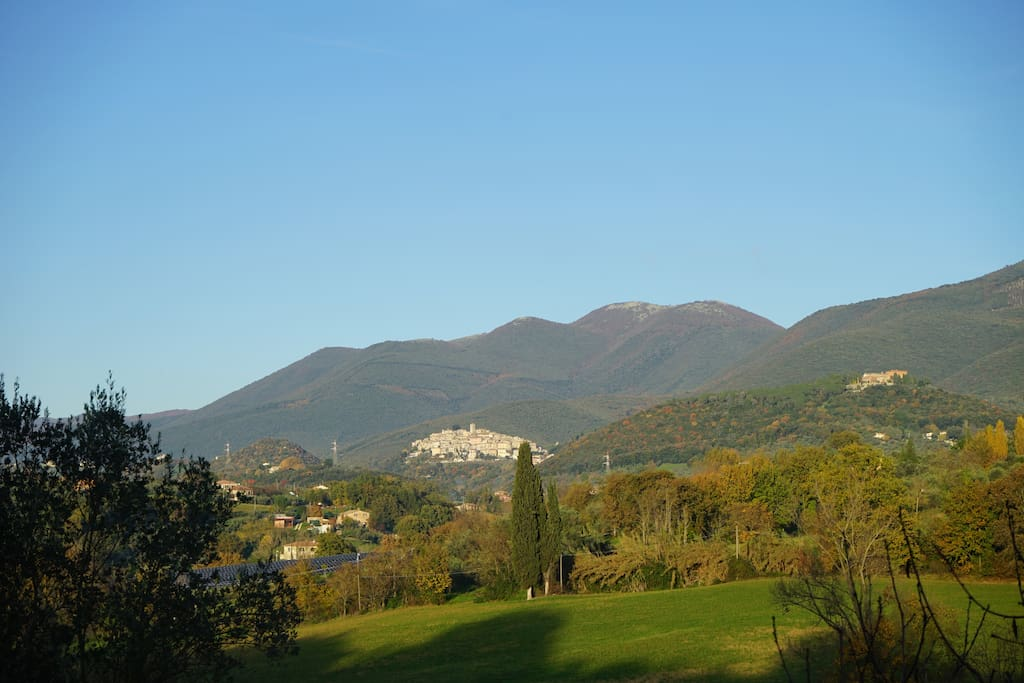 "Casperia - we are located between the tree in the center of the ""borgo"" and the 1100 A.C. tower..."