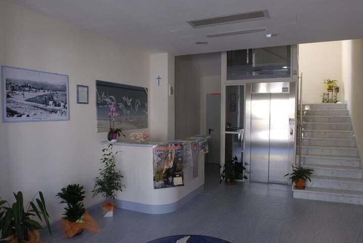 Bilocale in Residence with big bedroom - Fiumaretta di Ameglia - Byt