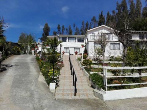 Dichato, cercano a la playa, comercio y restoranes