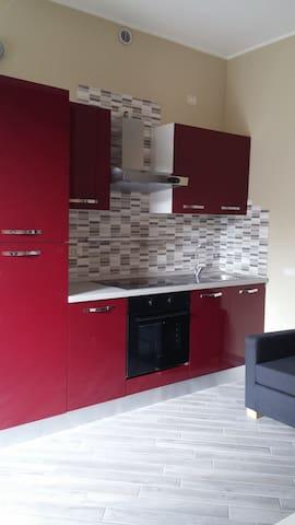 appartamento confortevole con parcheggio interno - Garbagnate Milanese - Flat