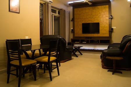 A cozy 2BHK with Great Views and a Peaceful Vibe