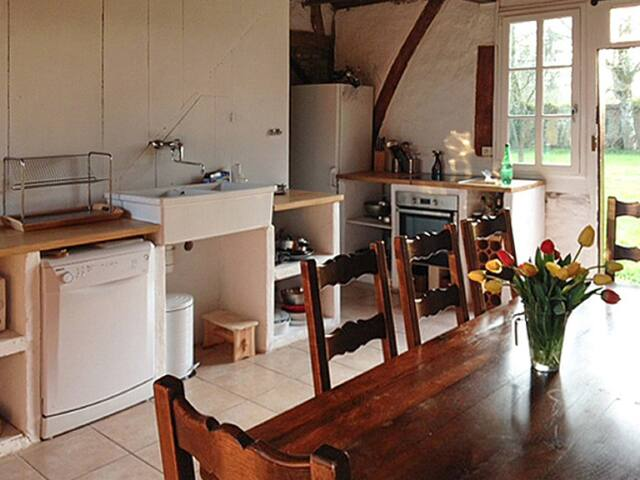Lovely renovated 1920s farmhouse - Estrées les Crecy - House