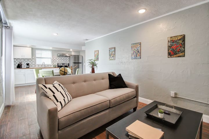 Fantastic Remodeled 1BR Close to the Beach