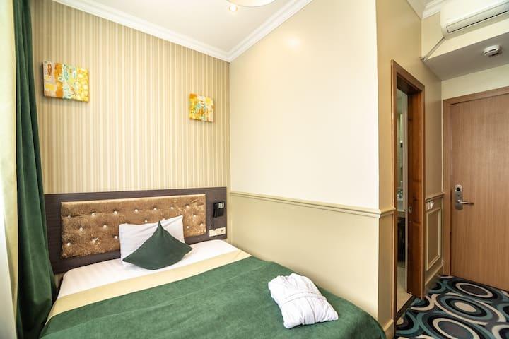 Mildom Hotel SNGL