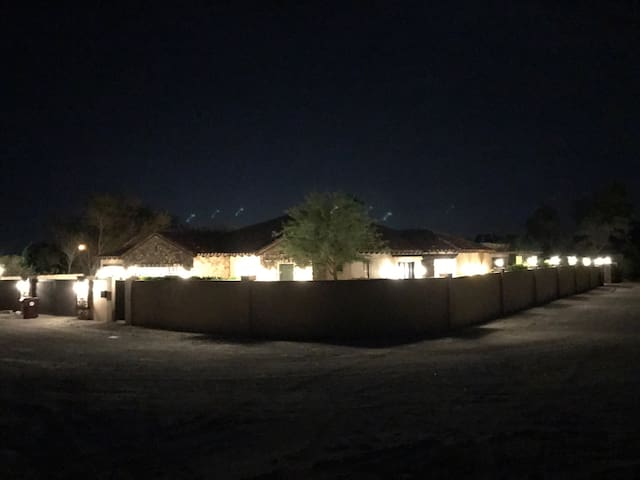 Beautiful Desert Compound - Thousand Palms - Casa