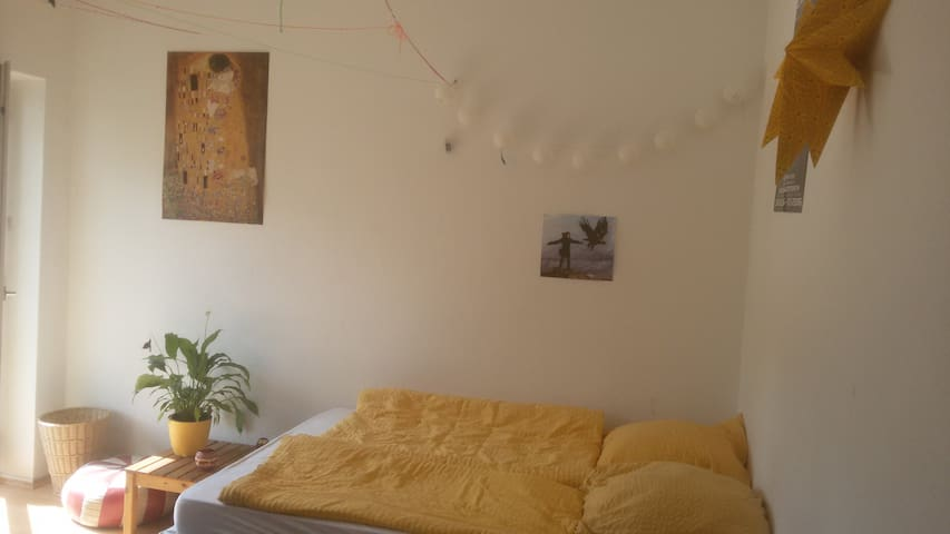 Large room for 1 or 2 people in Mitte/Wedding - Berlin - Apartament