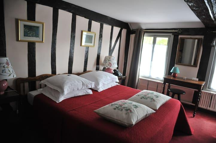"""Hôtel en Normandie """"plus beaux villages de France"""""""