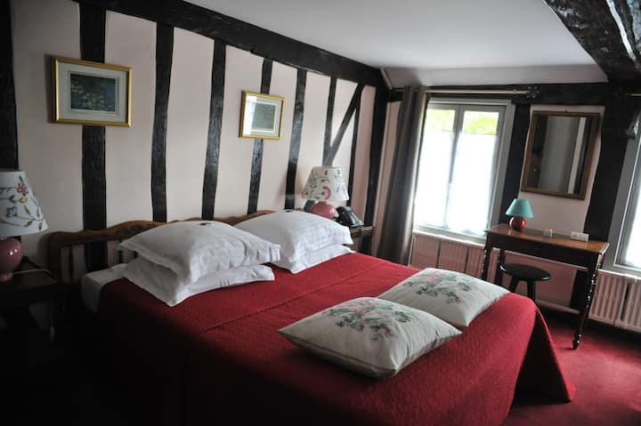 "Hôtel en Normandie ""plus beaux villages de France"""