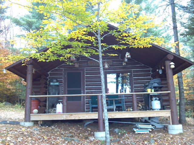 Off Grid Real Log Cabin - AMAZING Mountain Views! - Andover - Kabin