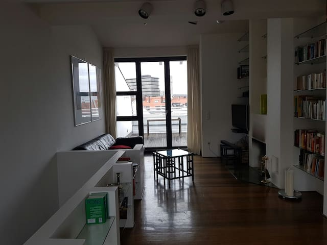 Beautiful, central loft; balcony 85m2 24h check in - München - Loft