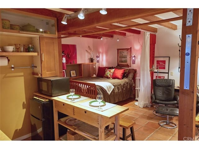 Beautifully designed, highly upgraded guest studio apartment.