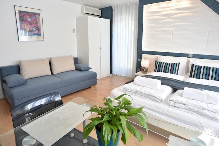 Hillside Premium Apartments -  Blue