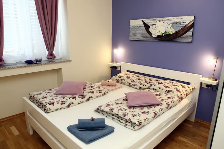 Cozy One-Bedroom Apartment MAK1