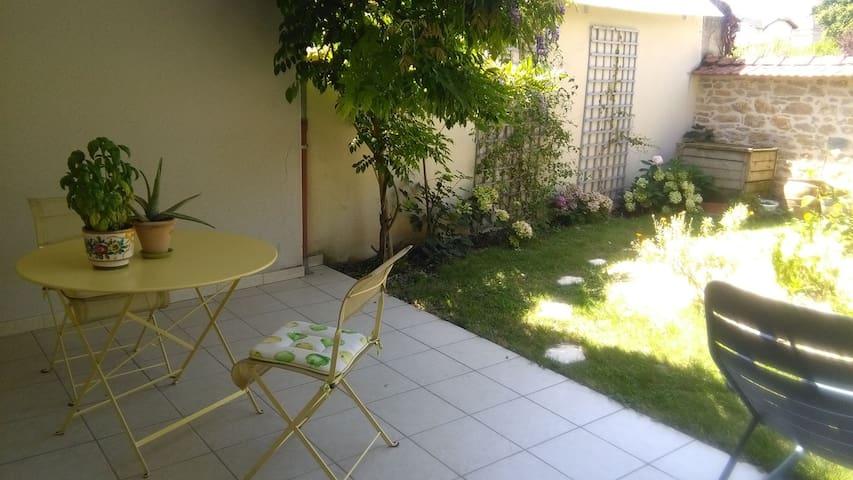Quiétude au cœur du quartier de Brou, côté jardin - Bourg-en-Bresse - Appartement