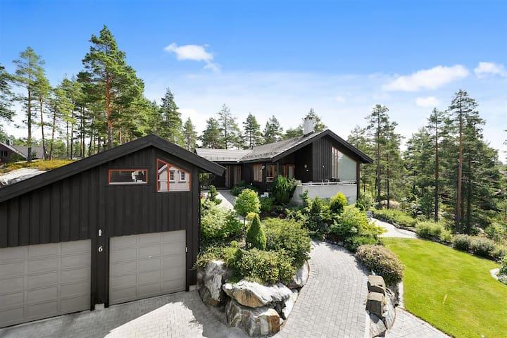 Stor enebolig på Madsebakken - Kongsberg - Hus