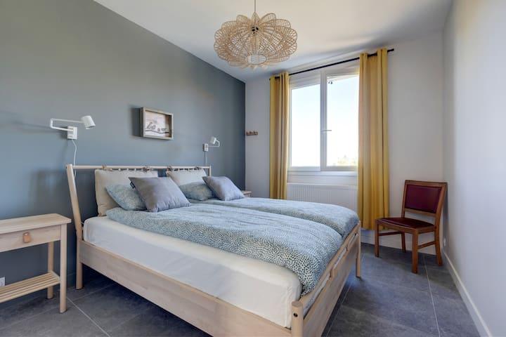 """""""Puy de Pariou"""" Double bedroom (ground floor)"""
