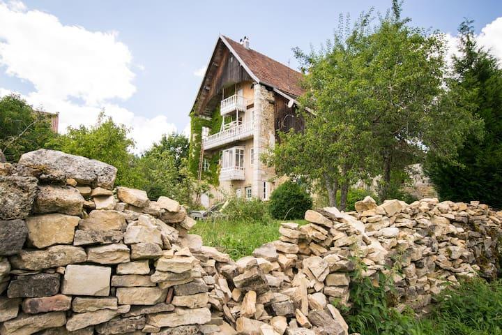 Logement dans un château - Belleherbe - Slott