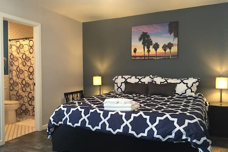 Charming Normal Heights Private Guesthouse - San Diego - Bungalow