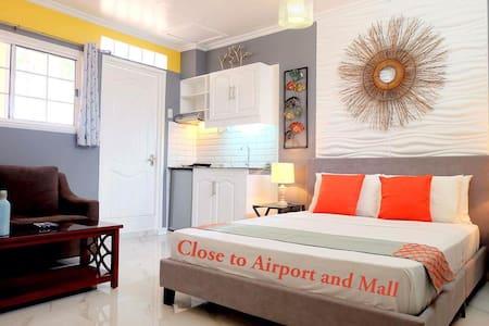 Close to Airport, Mall, Transportation, Studio B