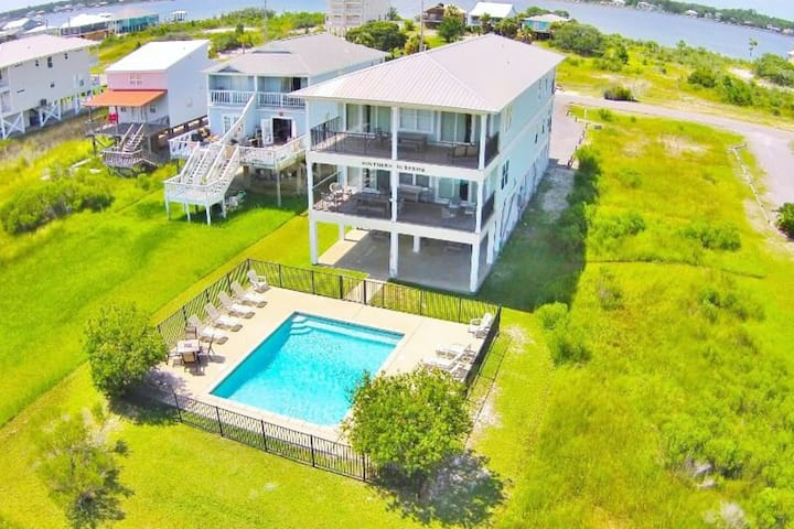 Gulf View Home w/ Private Pool, WiFi, Washer/Dryer, and Central AC!