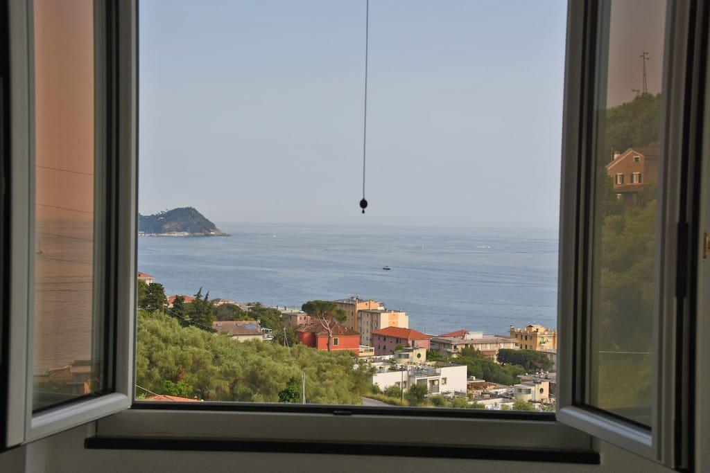 ....una finestra sul mare...