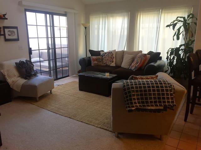 LRG BRIGHT APT easy 2 BEACH/LAX/FWY - El Segundo - Wohnung
