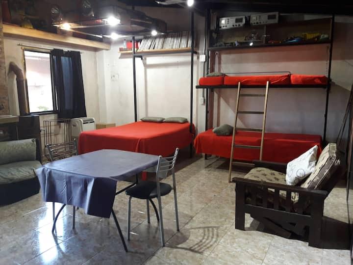 """Parque4x4 - """"El Aula"""", dormie para 4 a 8 personas"""