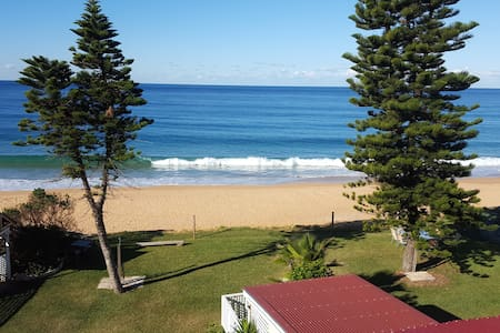 Penthouse apartment with direct beach access; 11 - Collaroy - Apartment