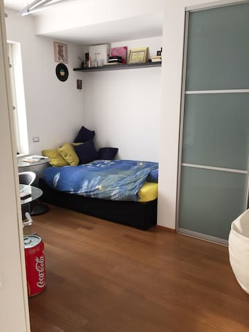 Beautiful and modern single bedroom - Bergamo - Dom