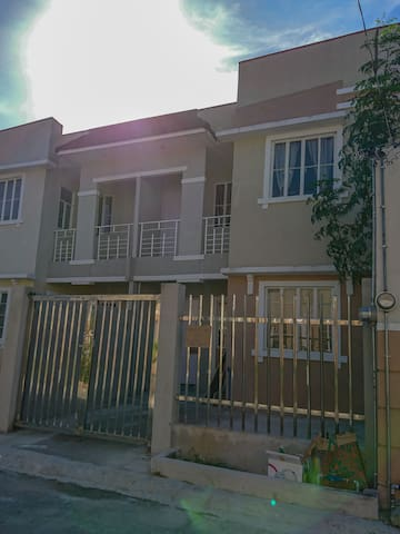 Fully furnished, 3BR Townhouse in Lancaster Cavite