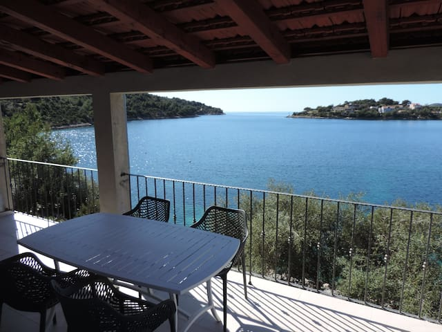 Modern luxury - brand new seafront apartment - Lastovo - Apartamento