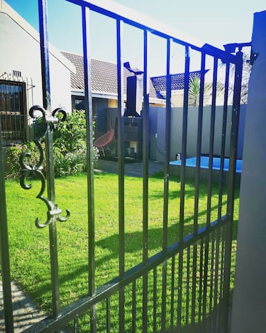 2 bedroom Townhouse in Vredekloof, Cape Town