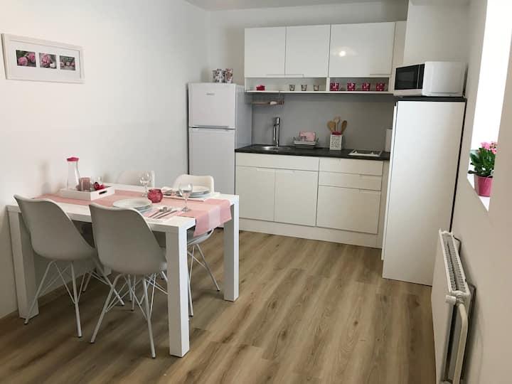Green, quiet, comfortable apartment - Tian
