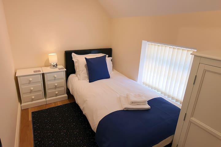Clock Cottage - Single Bedroom