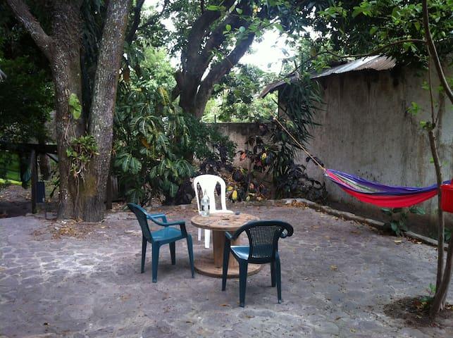 Cuarto en casa tradicional con patio grande - Matagalpa - Rumah
