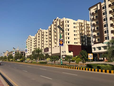 Samama Gulberg Mall and Residency